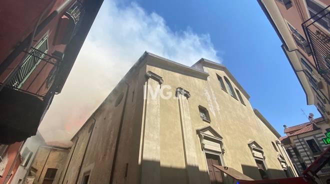 Incendio chiesa San Lorenzo Cairo