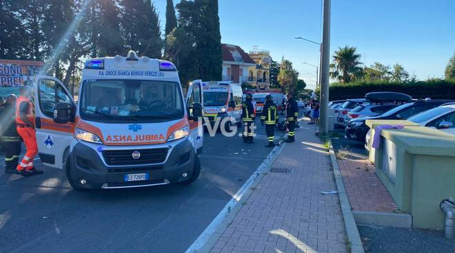 incidente loano Sp25 soccorsi ambulanze Vvff vigili del fuoco