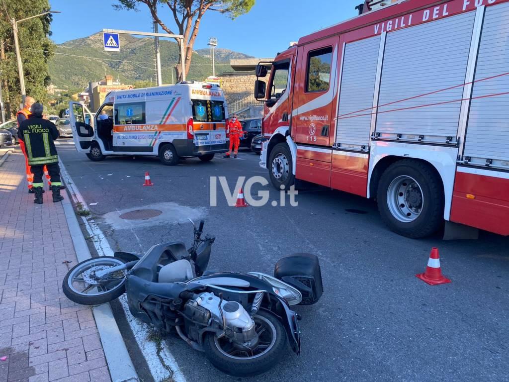 incidente loano Sp25 soccorsi ambulanze Vvff vigili del fuoco