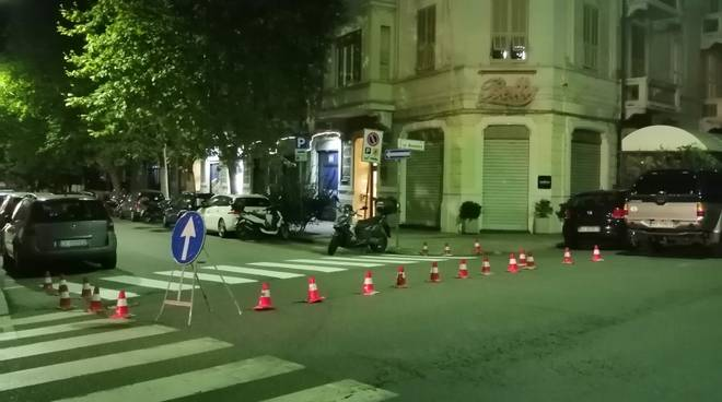 lavori notte segnaletica stradale strisce