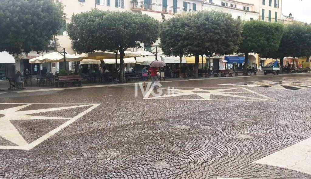 piazza pietra