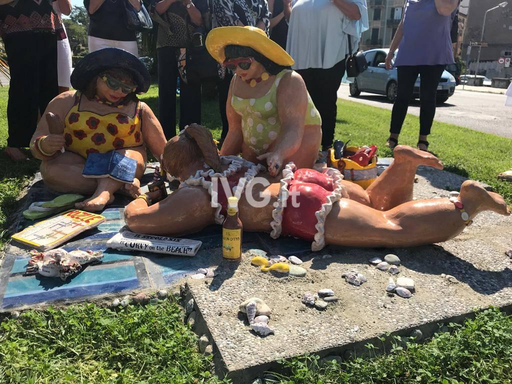 """Savona omaggia le donne """"curvy"""": inaugurata installazione in ceramica"""