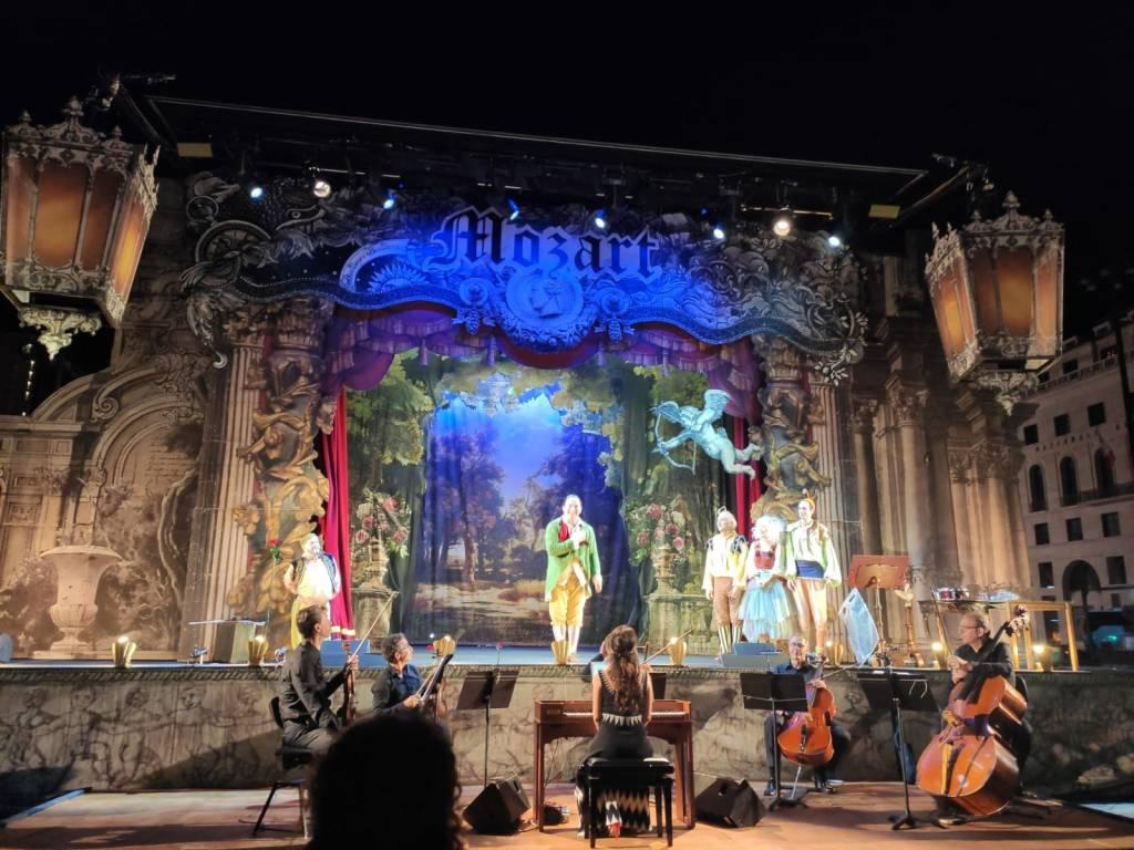 """Savona Priamar """"Bastiano e Bastiana"""" spettacolo Teatro In Rivoluzione"""