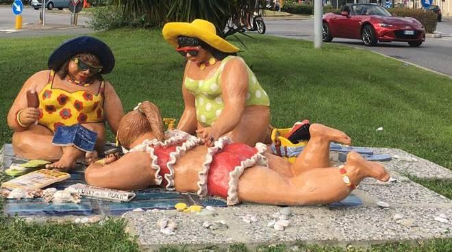 Statua curvy Savona vandali