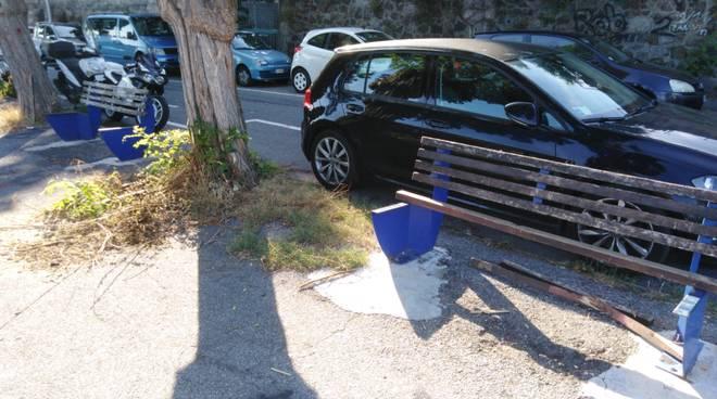 Vandalismo salita San Giacomo Savona