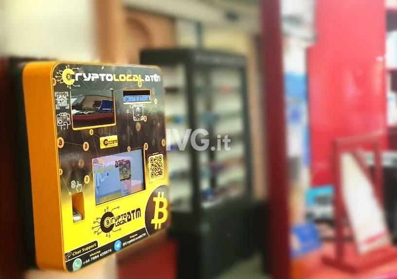 primo bitcoin atm a genova in un negozio di ottica