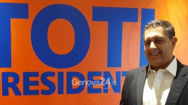 Giovanni Toti presidente r6