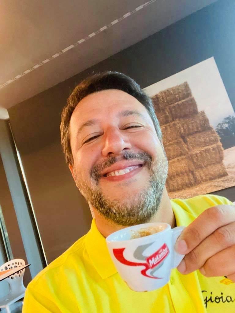 Matteo Salvini caffè
