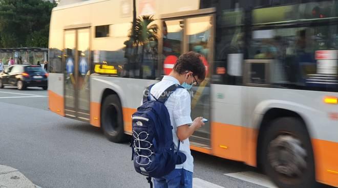 primo giorno scuola autobus e istituti