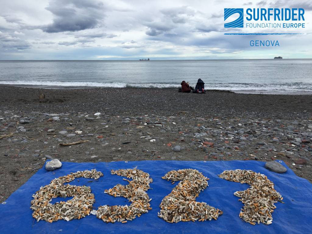 raccolta rifiuti in spiaggia