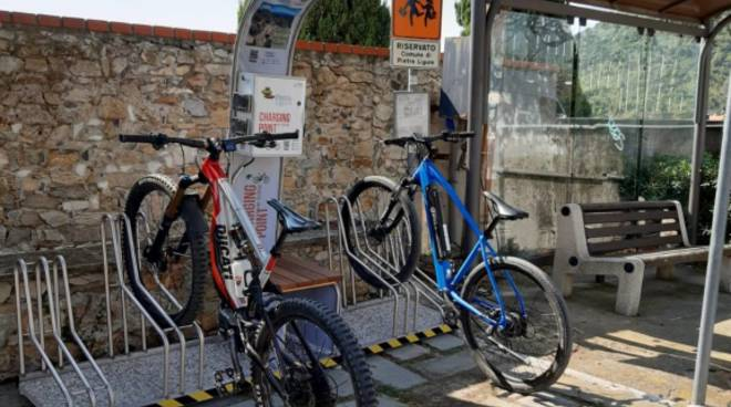 ricarica e-bike pietra