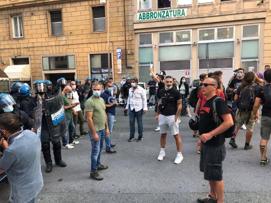 salvini e contestazione in centro 17 settembre