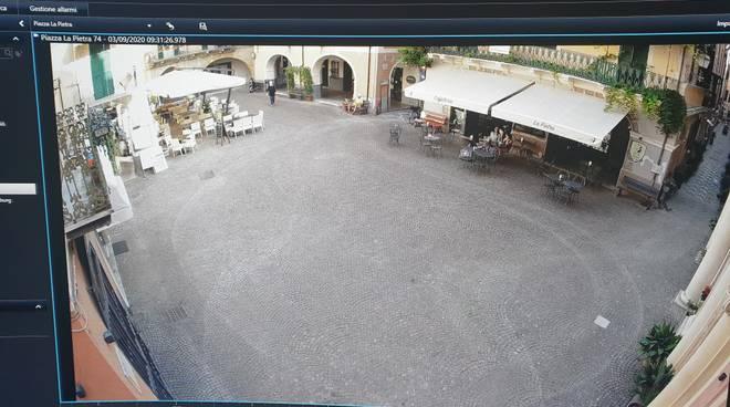 telecamera piazza vecchia pietra