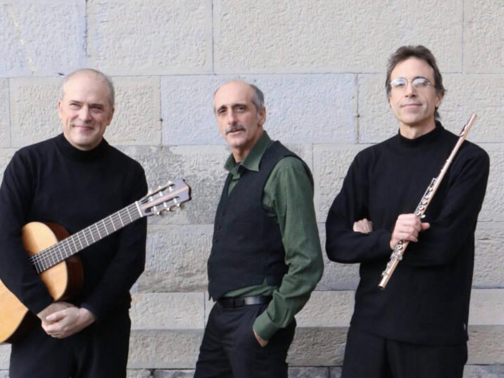 Andrea Nicolini attore e Phonodrama duo Gianluca Nicolini flauto e Fabrizio Giudice chitarra