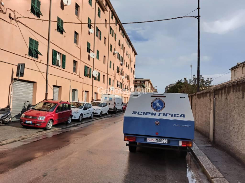 Cadavere di un uomo ferito trovato a Sampierdarena: ipotesi omicidio
