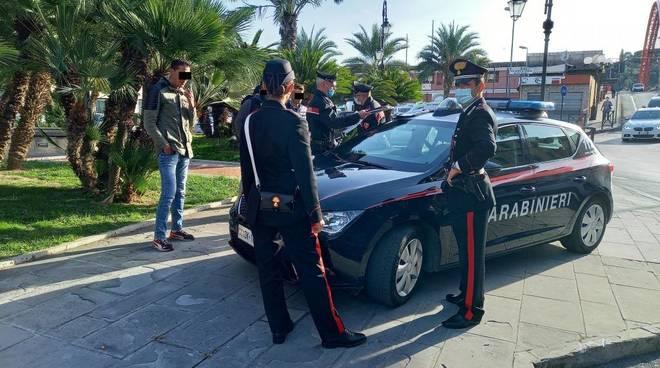 Carabinieri controlli mascherine