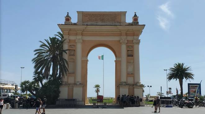 finale ligure piazza Vittorio Emanuele