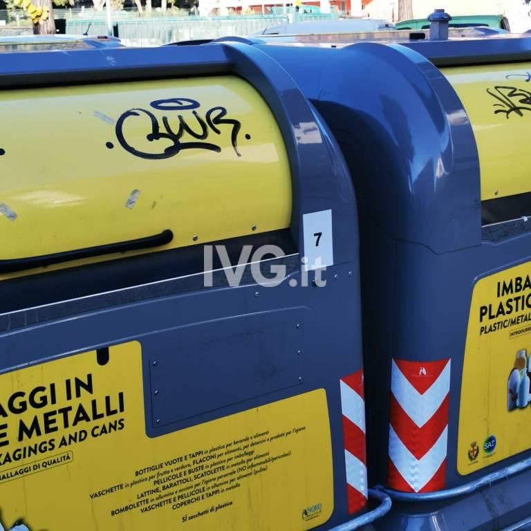 Atti Vandalici Albenga arredo Urbano