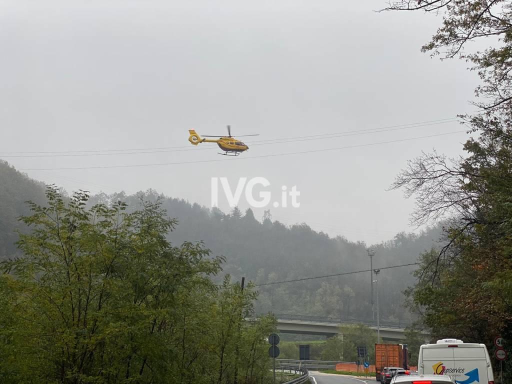 Incidente a Millesimo, interviene l'elicottero
