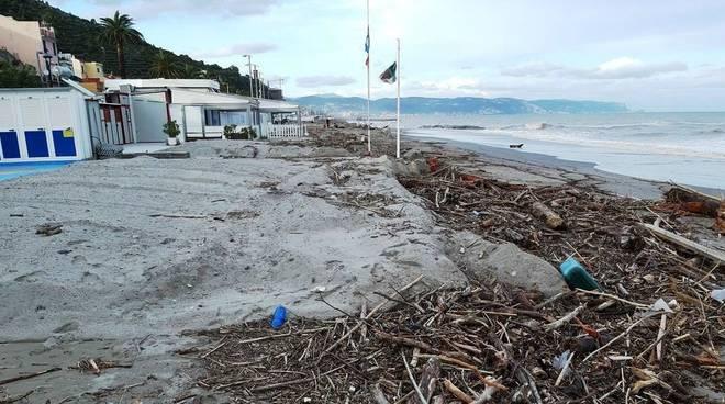 legname spiagge ceriale