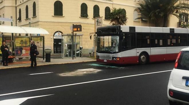 Tamponamento bus Albissola