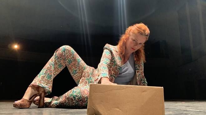 """""""Ucciderò il gatto di Schroedinger"""" spettacolo teatrale Gabriella Greison"""