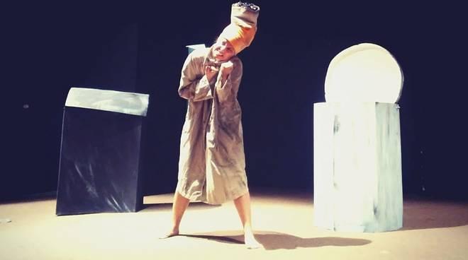 """Finale Ligure """"Discarilandia"""" spettacolo Teatro delle Udienze"""