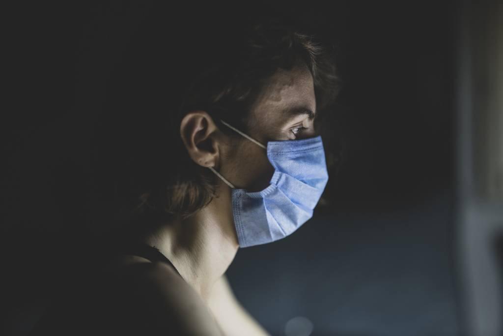 covid mascherina donna