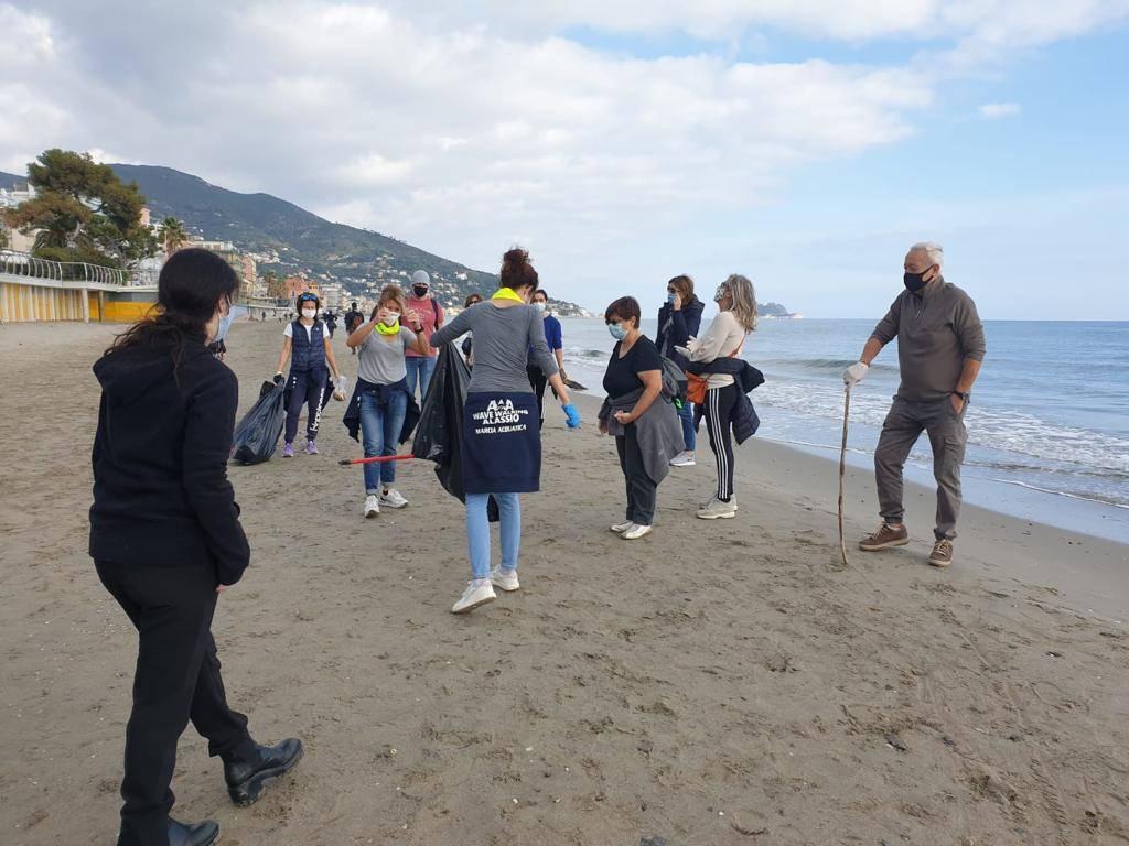 Alassio Wave Walking Pulizia Spiagge