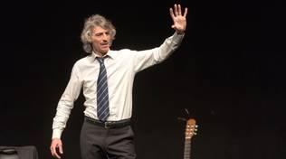 """Savona """"Ce le ho tutte!"""" spettacolo teatro canzone Alessandro Bergallo"""