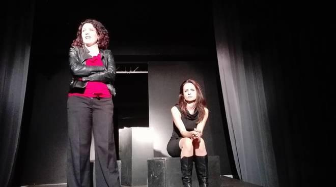"""Savona """"I monologhi della vagina"""" spettacolo teatrale Cattivi Maestri"""
