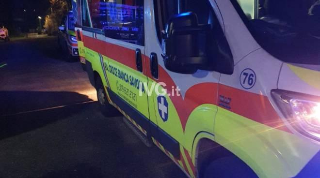 ambulanza notte croce bianca savona