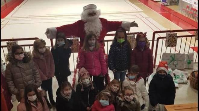 Babbo Natale visita la Polisportiva Quiliano