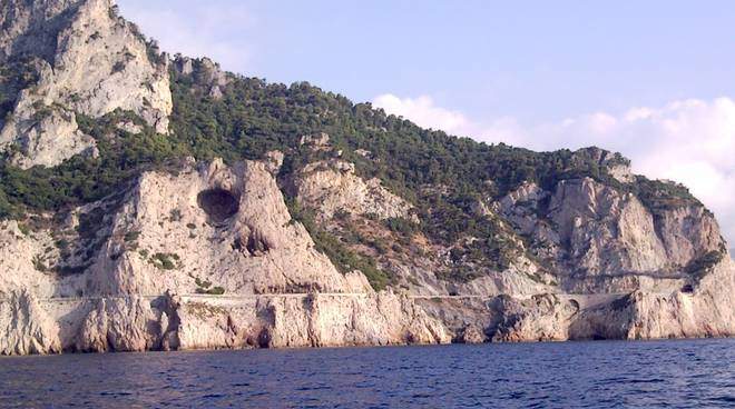 Capo Noli Grotta dei Falsari