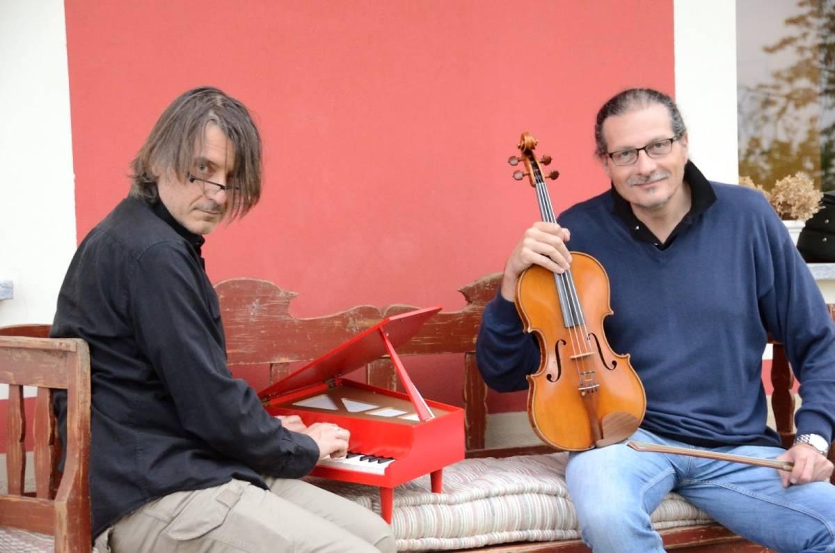 Across Duo (Claudio Gilio viola - Enrico Pesce pianoforte)