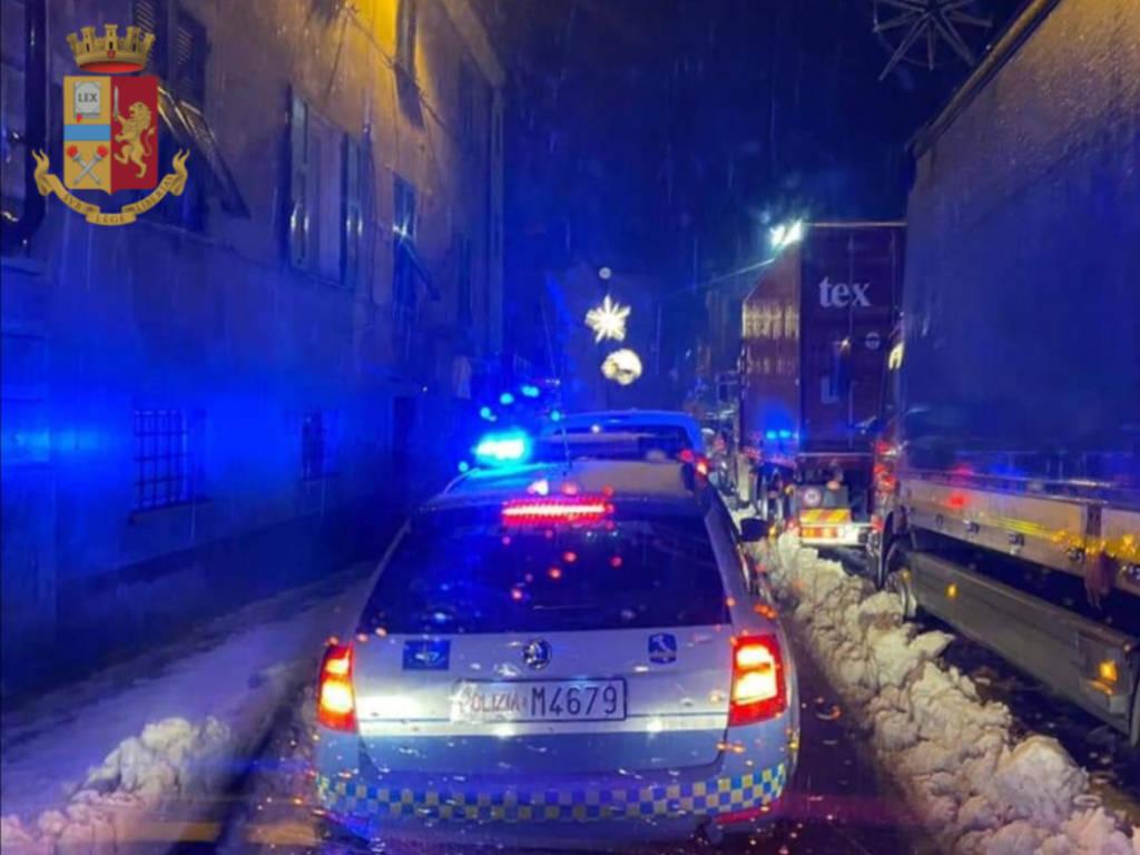 polizia stradale neve a7