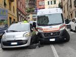 scontro auto ambulanza