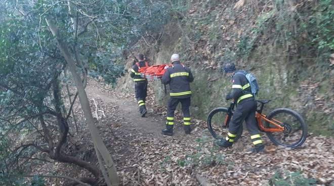 vigili del fuoco soccorsi biker