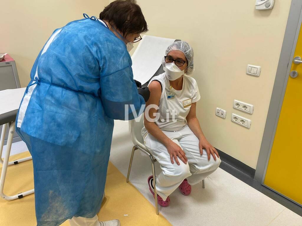 Covid, al via alle vaccinazioni all'ospedale San Giuseppe di Cairo