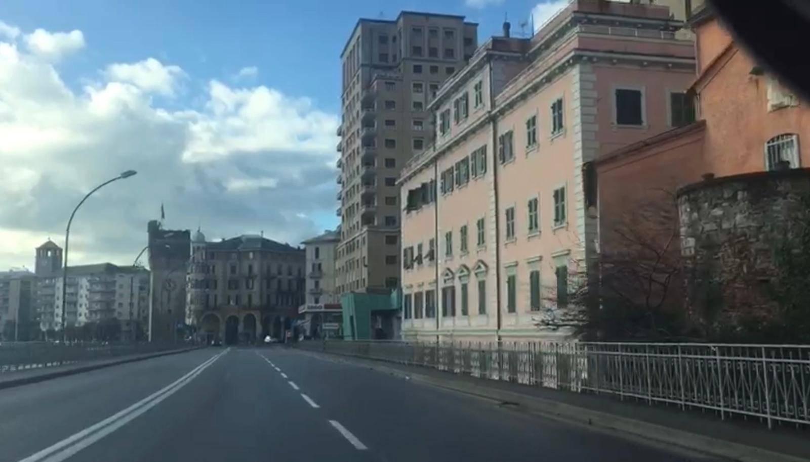 savona zona rossa strade deserte