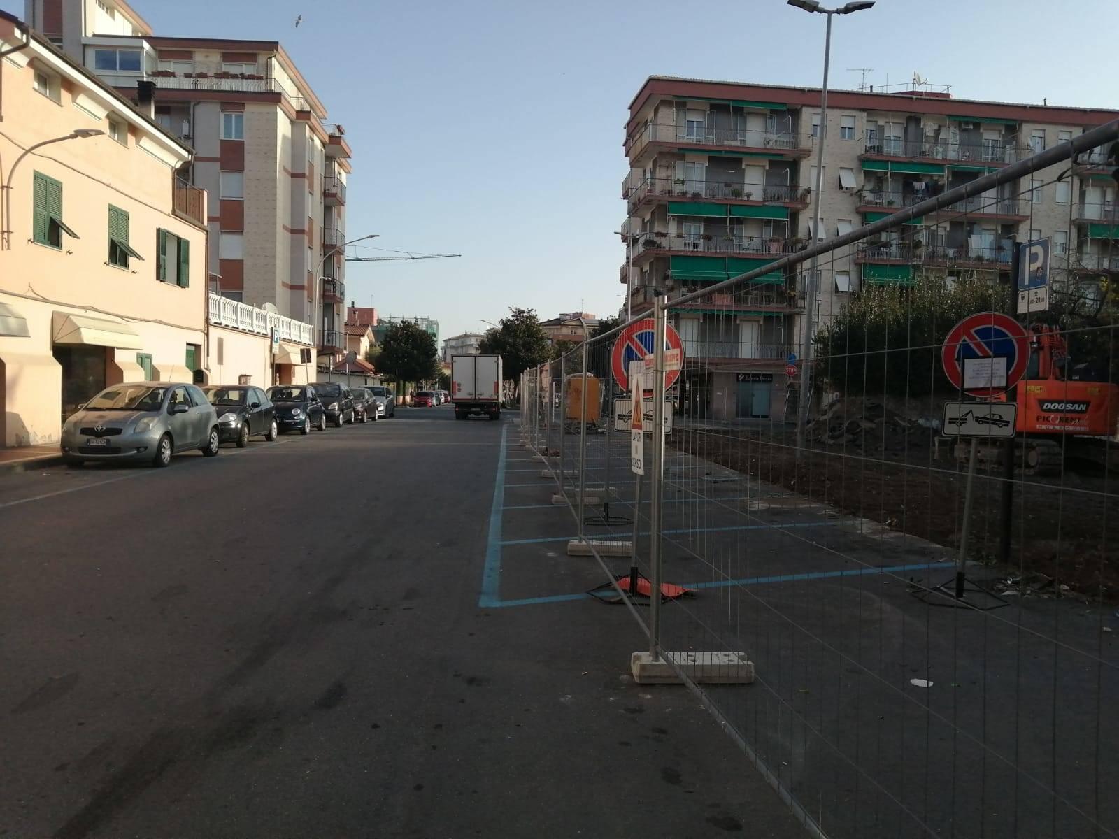 Albenga nuovo parcheggio e marciapiede