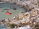 Camogli, dopo il crollo del cimitero le bare galleggiano in mare