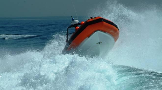 Loano battello GC A09 Guardia Costiera