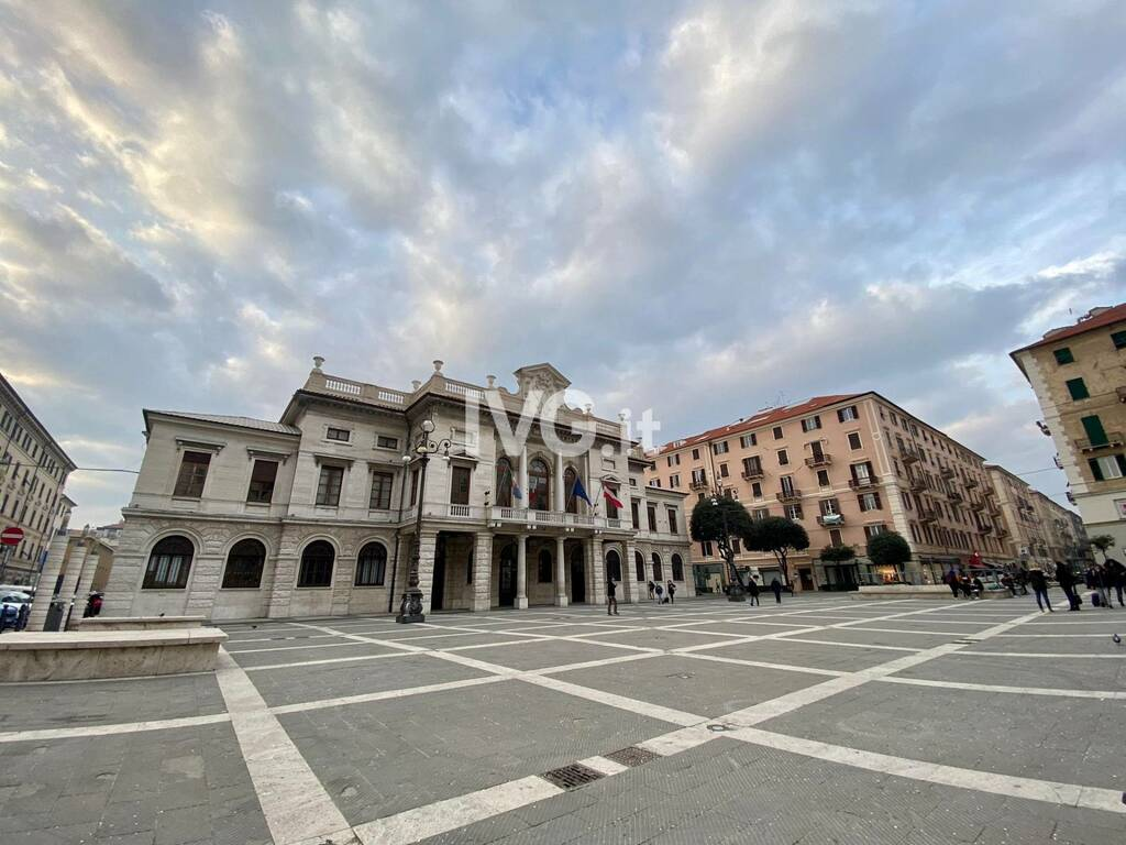 Piazza Sisto Savona Mattino Giorno Generica Comune Municipio