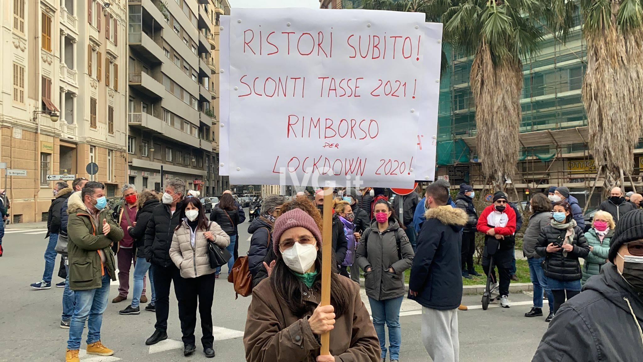 Protesta ristoratori piazza Saffi