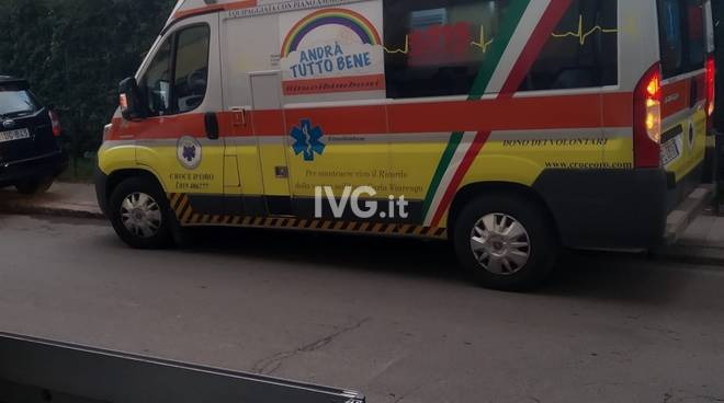scippo savona furto polizia ambulanza generica