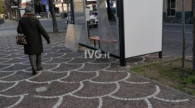 Viale Pontelungo Albenga vandalismo