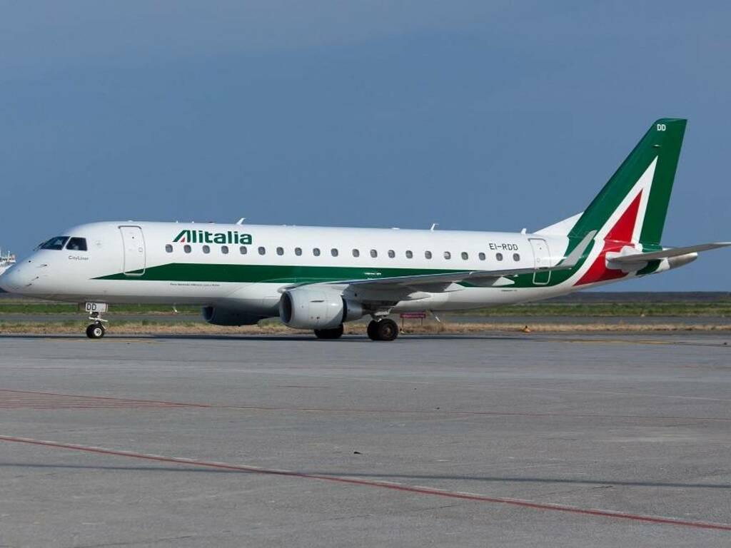 aereo Alitalia aeroporto genova