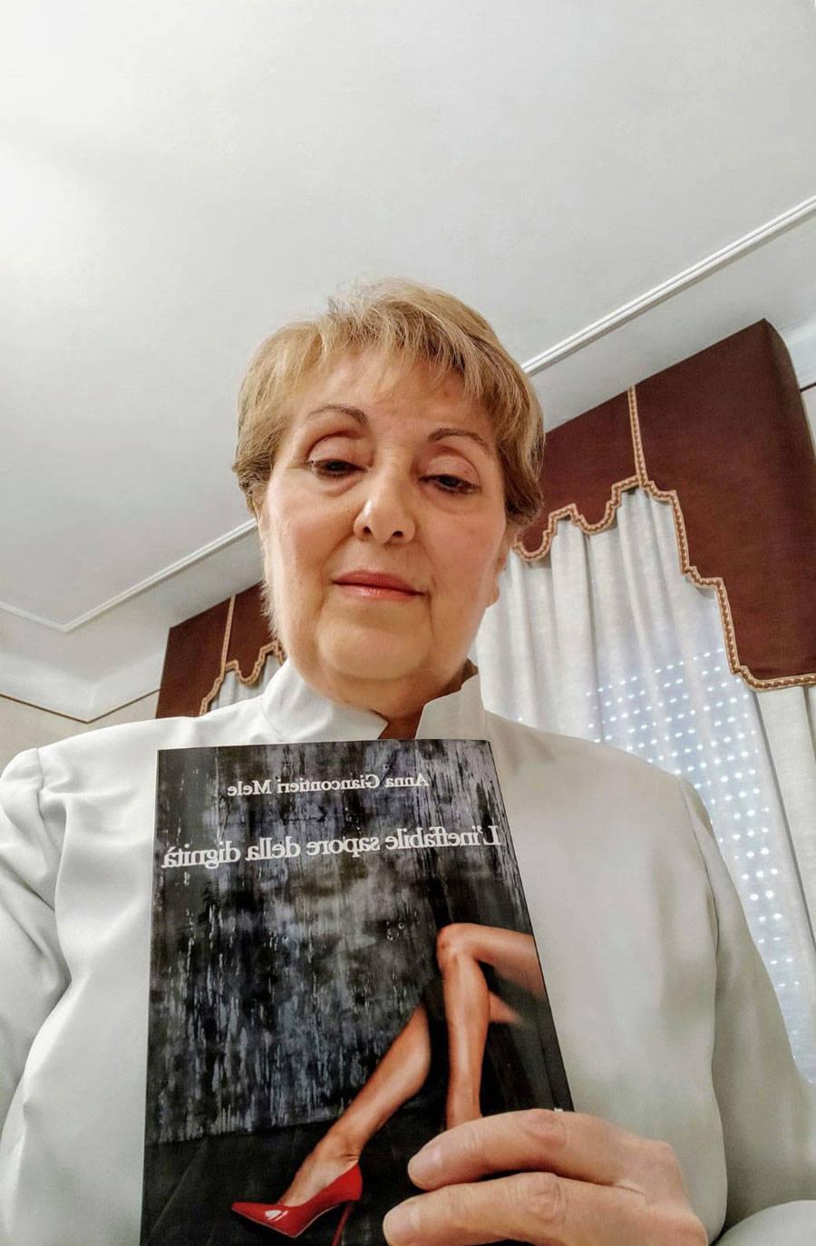 """""""L\'ineffabile sapore della dignità"""" di Anna (Susanna) Giancontieri Mele"""