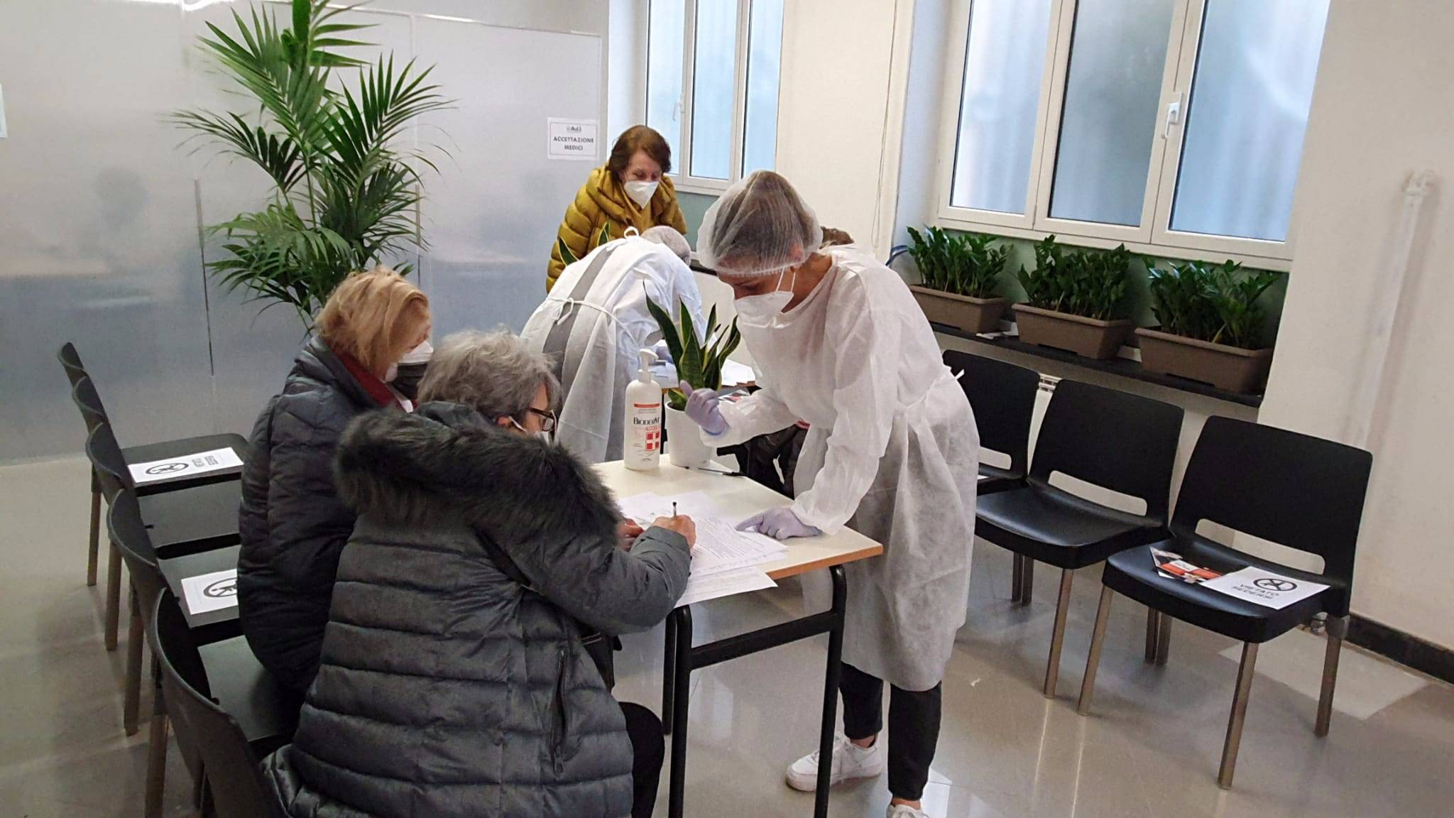 centro vaccini via cesarea
